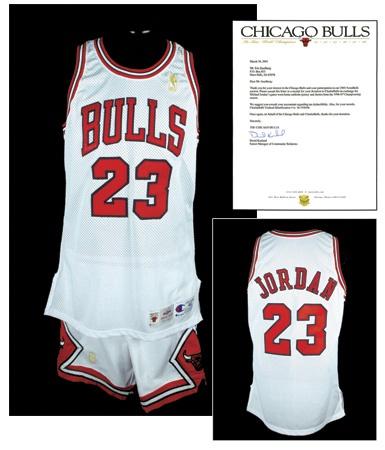 best website e9f9d 88e1f 1996-97 Michael Jordan Chicago Bulls Game Worn Uniform with ...