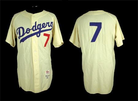 Lelands.com - Dodgers - Past Sports and Collectible Auctions c08d73df1