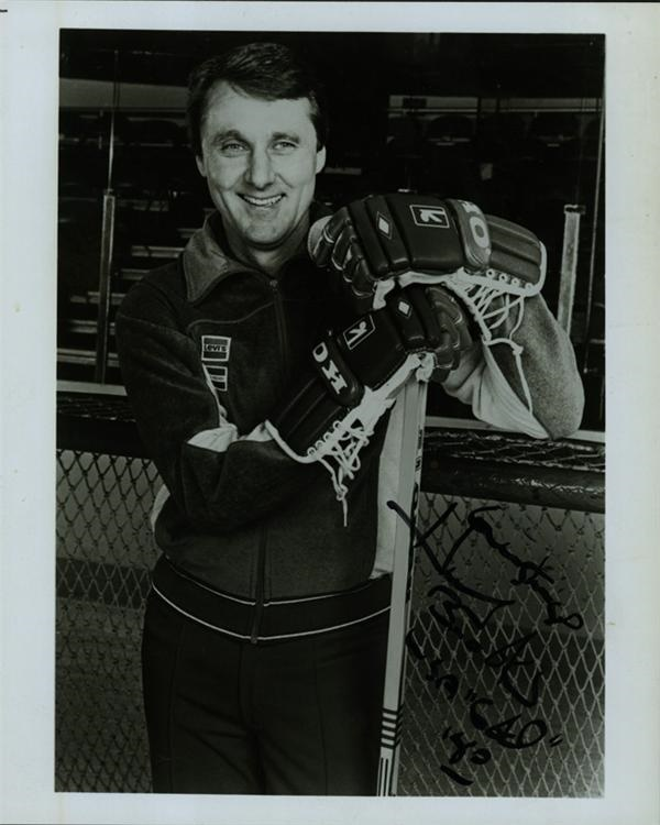 Hockey Memorabilia - Internet Only (October 2004)