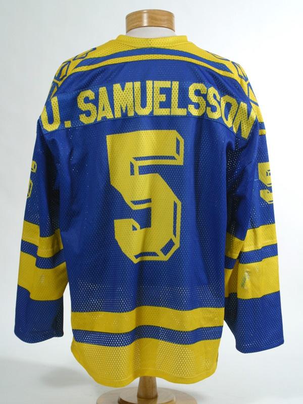 Hockey Sweaters - June 2005