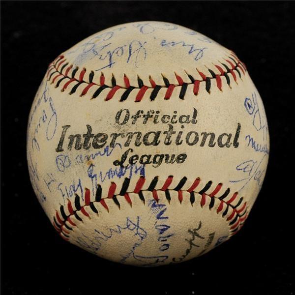 Baseball Autographs - Spring 2006 Catalog