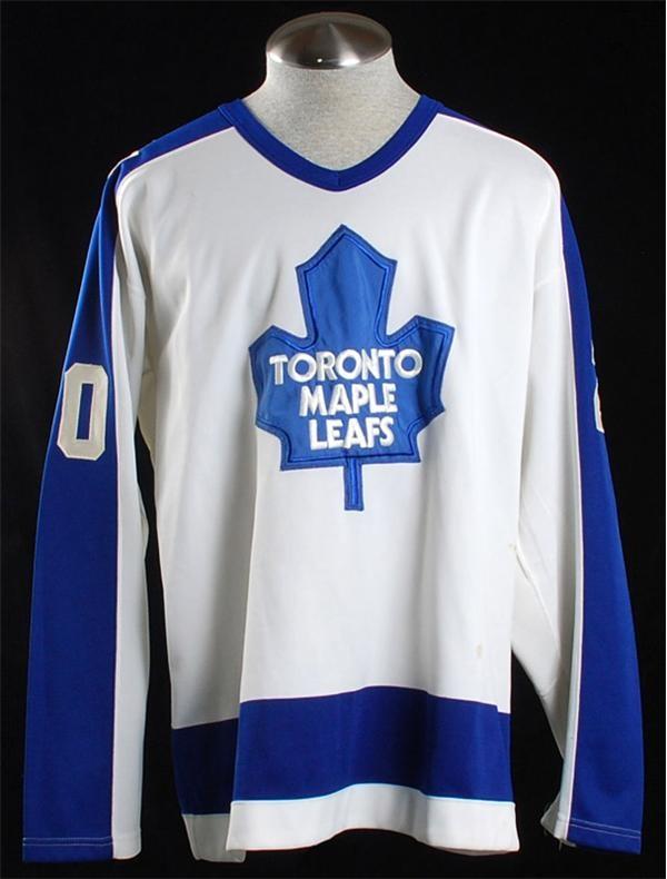 Hockey Equipment - October 2007 Internet