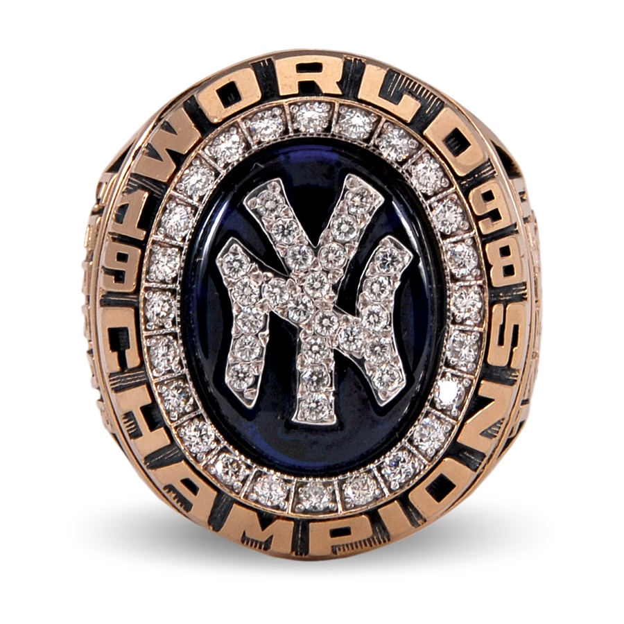 NY Yankees, Giants & Mets - Spring 2012 Catalog Auction