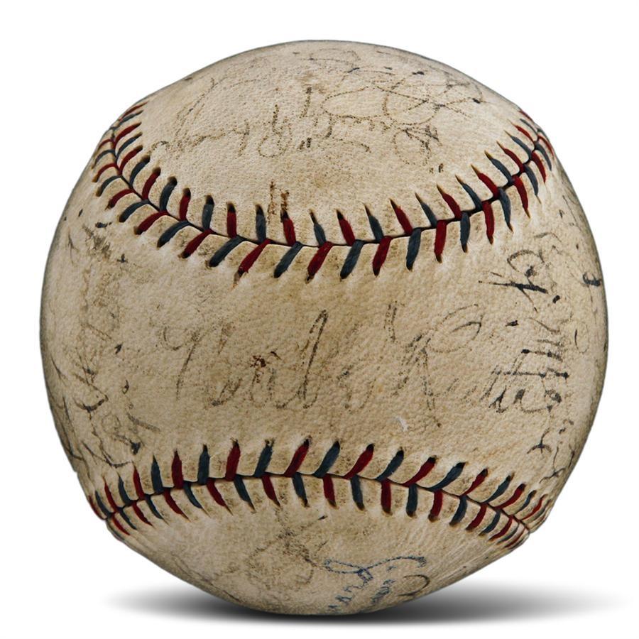 NY Yankees, Giants & Mets - Fall 2012 Catalog Auction