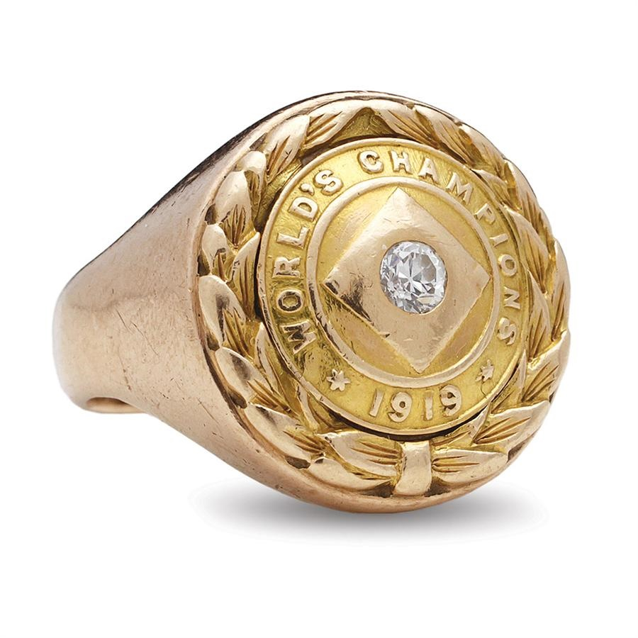 Sports Rings And Awards - Spring 2013 Catalog Auction