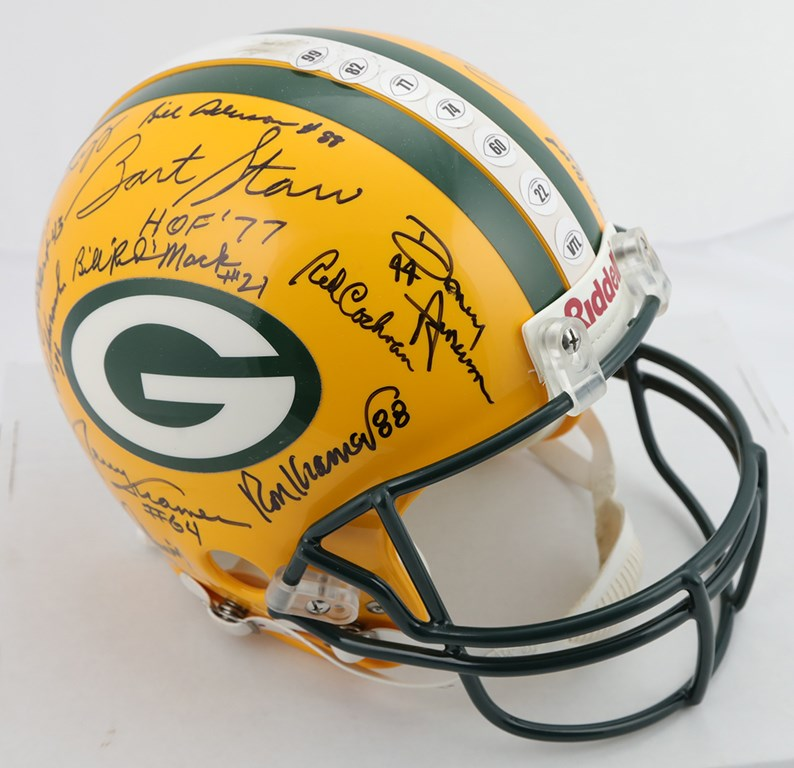 Autographs Football - Monthly 11-18