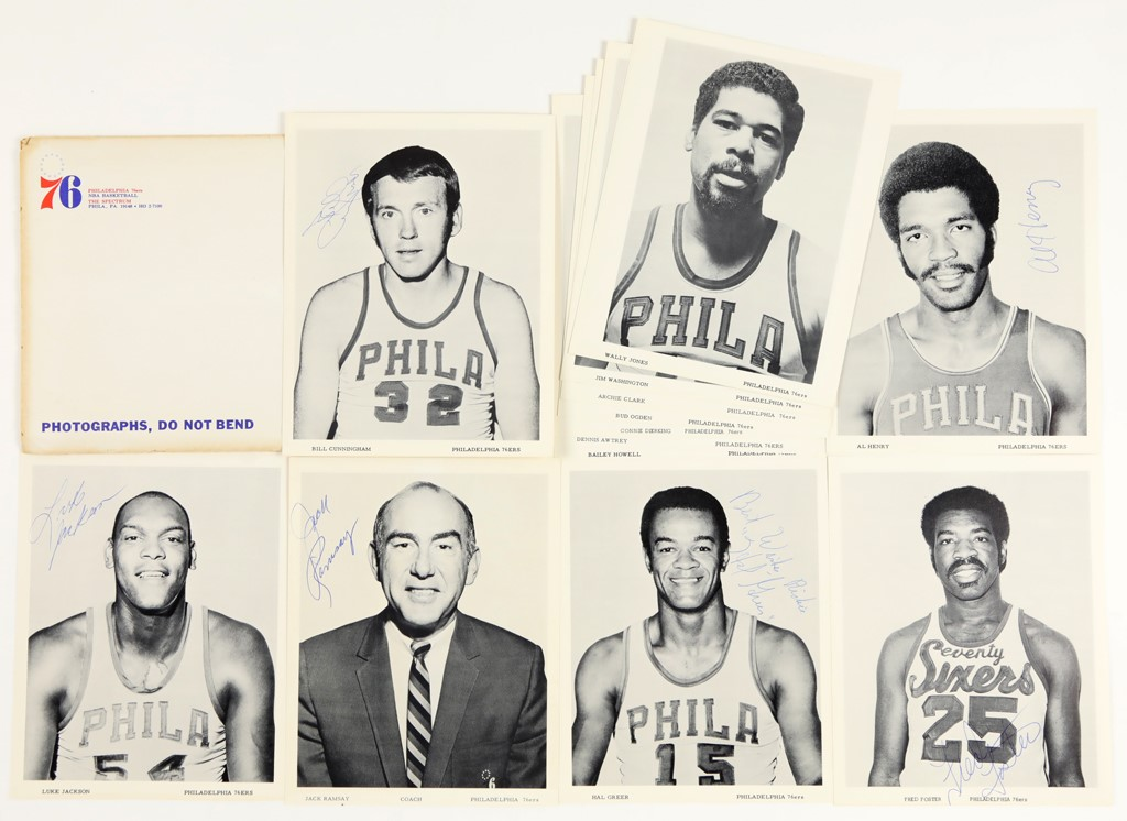 1970-71 Philadelphia 76ers Team Photo Pack with (6) Signed