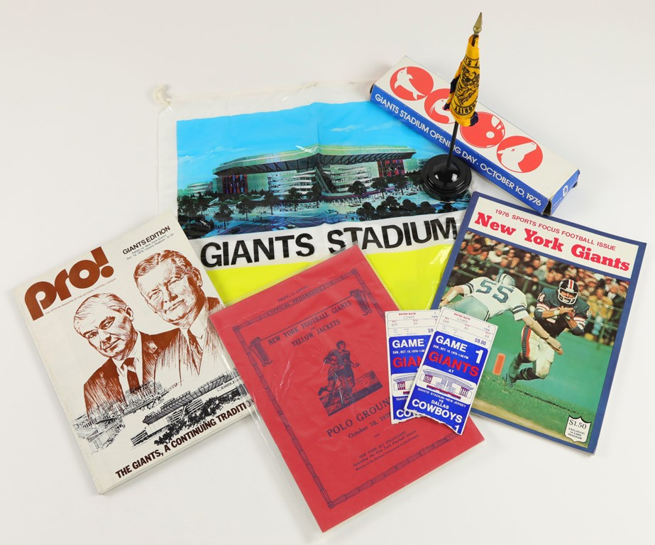 1976 New York Giants First Game at Giants Stadium Collection (15)